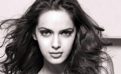 Actress Shazahn Padamsee