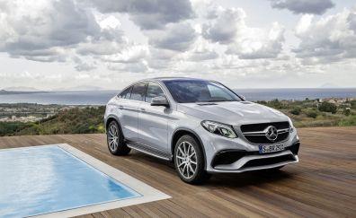 Mercedes-Benz GL-Class luxury car