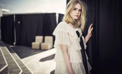 American Celebrity, Elle Fanning, blonde actress