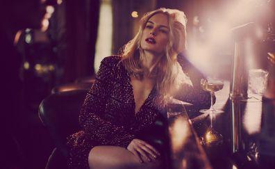 Hot blonde actress, Kate Bosworth, sitting